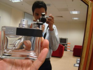 Self photographed with my latest smell, F by Ferragamo. It's a gift from a freind.