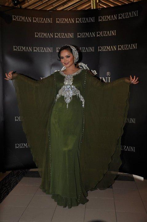 Designer kesayangan Siti Nurhaliza, Rizman Ruzaini antara pereka yang
