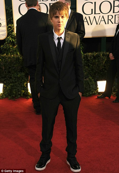 justin bieber at the golden globes pictures